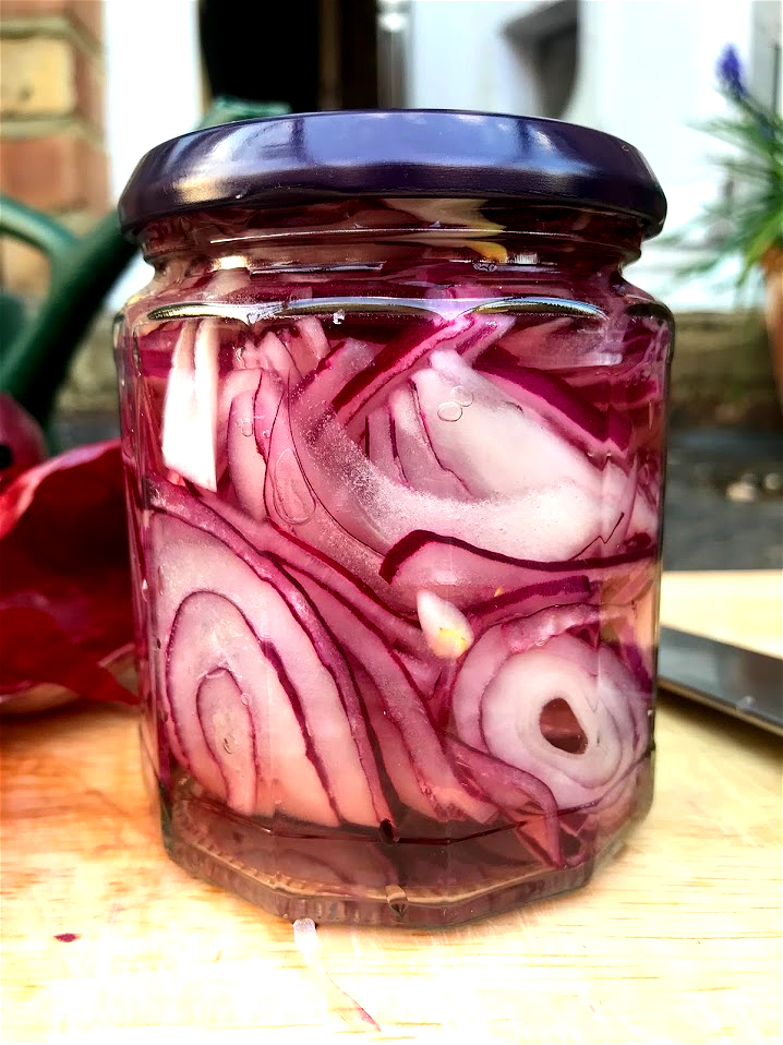 Sweet pickled onions – Nell By Mouth